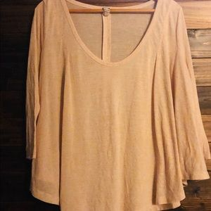 💋3/$21 Free People light pink flowy top women's M